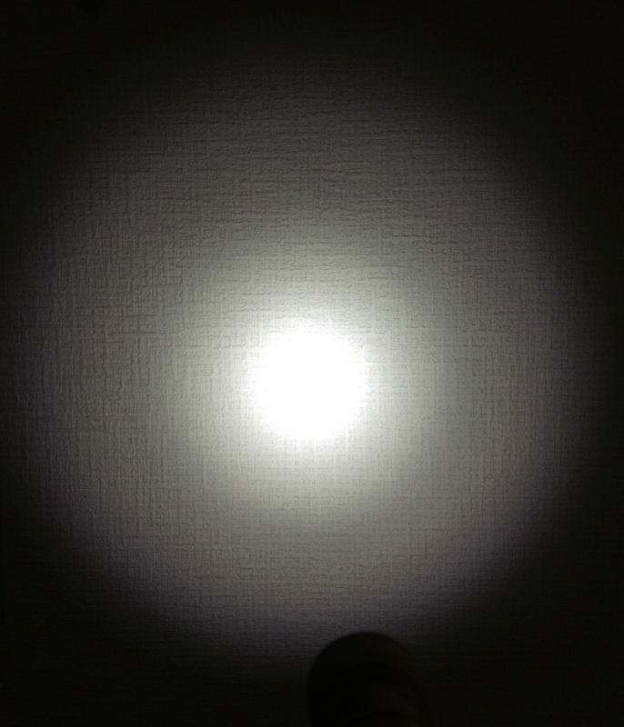 SUNWAYMAN フラッシュライト M11R 光量