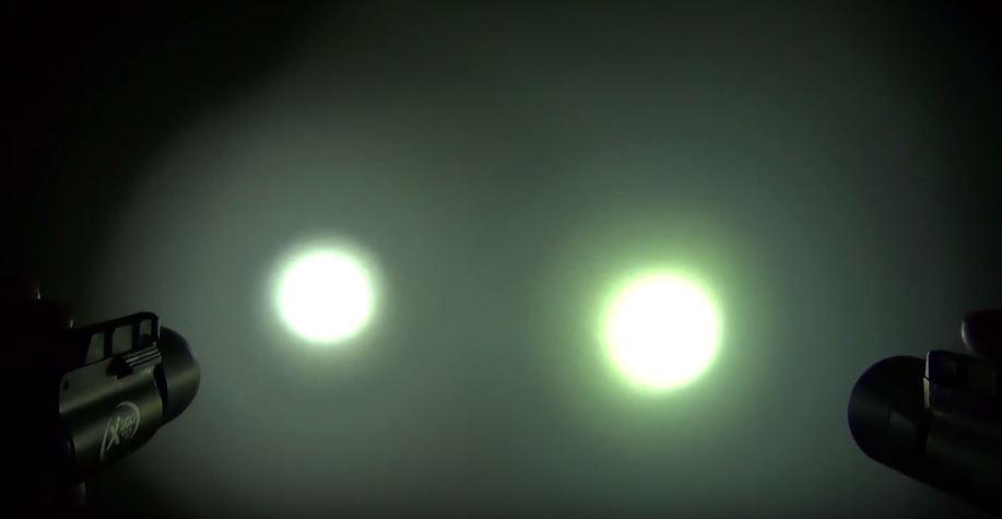 SUREFIRE(シュアファイア) ウエポンライト X300(170ルーメン)とX300 ULTRA(500ルーメン)の違い。